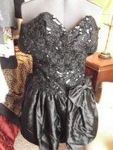 Prom Dress /Black Sequined Top/ Taffeta bottom/ in Alamogordo, New Mexico